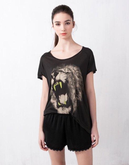 T-shirt león de Pull&Bear, 12,99 €